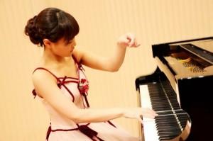 山下しおり(ピアノ)